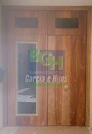 Barnizados_Garcia_e_Hijos_Trabajo_Puerta_Calle_Real_ANTES