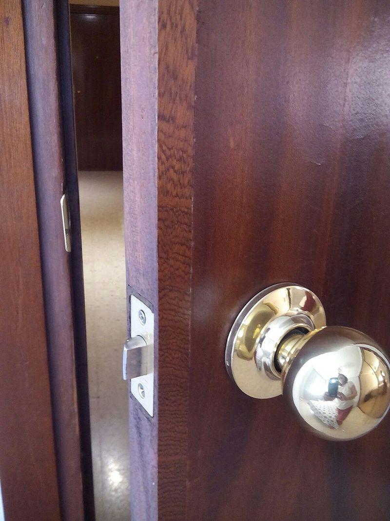 Restauración de puertas de paso