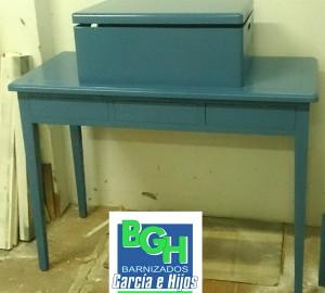 barnizados-garcia-e-hijos-consola-baul-azul-patina-blanca-2
