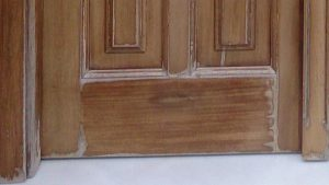DETALLES -Restauracion-puerta-entrada-iroko-barnizados-garcia-hijos-reciclaje-recicla-carpinteria-4 (2)