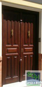 Restauracion-puerta-entrada-iroko-barnizados-garcia-hijos-reciclaje-recicla-carpinteria-4
