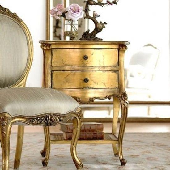 Tendencias muebles dorados